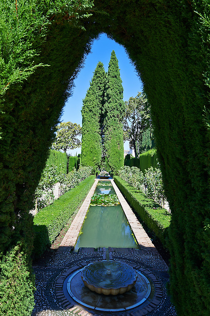 Fountain in the Moorish Generalife's Lower Gardens, Alhambra. Granada, Andalusia, Spain.