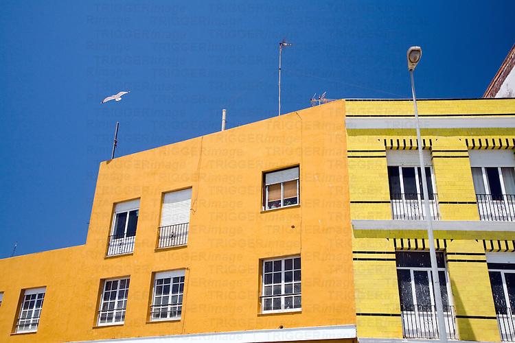 Campo del Sur, the southern seafront of Cadiz, is plenty of colorful buildings wich make a wonderful mosaic in front of the sea.