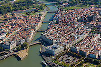 France, Aquitaine, Pyrénées-Atlantiques, Pays Basque, Bayonne: Confluent de l'Adour et de la Nive -  hôtel de ville et cathédrale - vue aérienne ,// France, Pyrenees Atlantiques, Basque Country, Bayonne: Confluence betwenn Adour and Nive  , Cathedrale and city hall - Aerial view