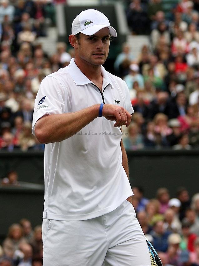 Photo: Paul Thomas..Wimbledon Championships. 27/06/2007...Andy Roddick (USA) during his match against Danai Udomchoke.