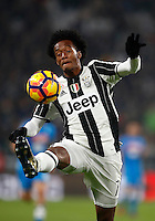 Calcio, Serie A: Juventus Stadium. Torino, Juventus Stadium, 29 ottobre 2016.<br /> Juventus&rsquo; Juan Cuadrado controls the ball during the Italian Serie A football match between Juventus and Napoli at Turin's Juventus Stadium, 29 October 2016. Juventus won 2-1.<br /> UPDATE IMAGES PRESS/Isabella Bonotto