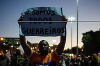 manifestação contra a copa se une a manifestação dos prefessores estaduais e municipais do Rio de Janeiro. Eles desceram a presidente vargas se manifestando contra a copa. Houve corre corre e tumulto.