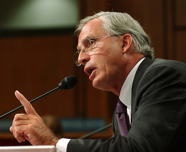 9/14/04.GOSS NOMINATION HEARING--Rep. Porter J. Goss, R-Fla., during the Senate Select Intelligence Committee confirmation hearing on Goss' nomination to be director of central intelligence..CONGRESSIONAL QUARTERLY PHOTO BY SCOTT J. FERRELL
