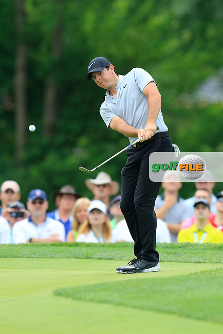 Rory McIlroy (NIR) chips on the 4th green during Thursday's Round 1 of the 2016 U.S. Open Championship held at Oakmont Country Club, Oakmont, Pittsburgh, Pennsylvania, United States of America. 16th June 2016.<br /> Picture: Eoin Clarke | Golffile<br /> <br /> <br /> All photos usage must carry mandatory copyright credit (&copy; Golffile | Eoin Clarke)