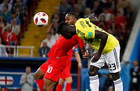 MOSCU - RUSIA, 03-07-2018: Davinson SANCHEZ (Der) jugador de Colombia disputa el balón con Raheem STERLING (Izq) jugador de Inglaterra durante partido de octavos de final por la Copa Mundial de la FIFA Rusia 2018 jugado en el estadio del Spartak en Moscú, Rusia. / Davinson SANCHEZ (R) player of Colombia fights the ball with Raheem STERLING (L) player of England during match of the round of 16 for the FIFA World Cup Russia 2018 played at Spartak stadium in Moscow, Russia. Photo: VizzorImage / Julian Medina / Cont