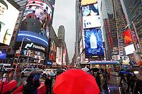 NOVA YORK, EUA, 26.11.2018 - NASDAQ-NASA - Publico acompanha o pouso da sonda espacial Insight no solo de Marte através do telão da Nasdaq na Times Square em Nova York nesta segunda-feira, 26. (Foto: William Volcov/Brazil Photo Press)