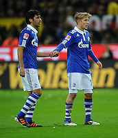 FUSSBALL   1. BUNDESLIGA   SAISON 2011/2012    14. SPIELTAG Borussia Dortmund - FC Schalke 04      26.11.2011 RAUL (li) und Lewis HOLTBY  (v.l., beide Schalke) enttaeuscht