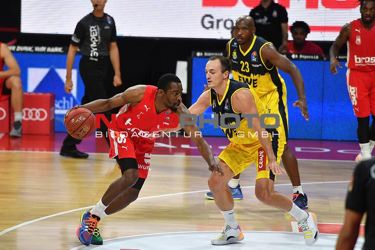 Jordan CRAWFORD (BA),<br /> Aktion,Zweikampf gegen <br /> Karsten TADDA (OL).<br /> <br /> Basketball 1.Bundesliga,BBL, nph0001-Finalturnier 2020.<br /> Viertelfinale am 18.06.2020.<br /> <br /> BROSE BAMBERG-EWE BASKETS OLDENBURG,<br /> Audi Dome<br /> <br /> Foto:Frank Hoermann / SVEN SIMON / /Pool/nordphoto<br /> <br /> National and international News-Agencies OUT - Editorial Use ONLY
