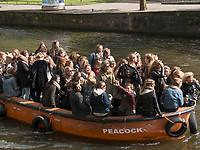 Boote am K&ouml;nigstag auf Nieuwe Herengracht,  Amsterdam, Provinz Nordholland, Niederlande<br /> Boats at Kings day on  Nieuwe Herengracht, Amsterdam, Province North Holland, Netherlands