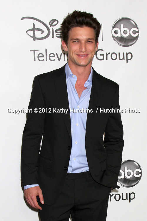 LOS ANGELES - JUL 27:  Daren Kagasoff arrives at the ABC TCA Party Summer 2012 at Beverly Hilton Hotel on July 27, 2012 in Beverly Hills, CA