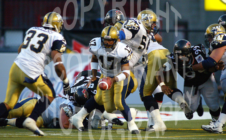 Khari Jones Winnipeg Blue Bombers 2003. Photo F. Scott Grant