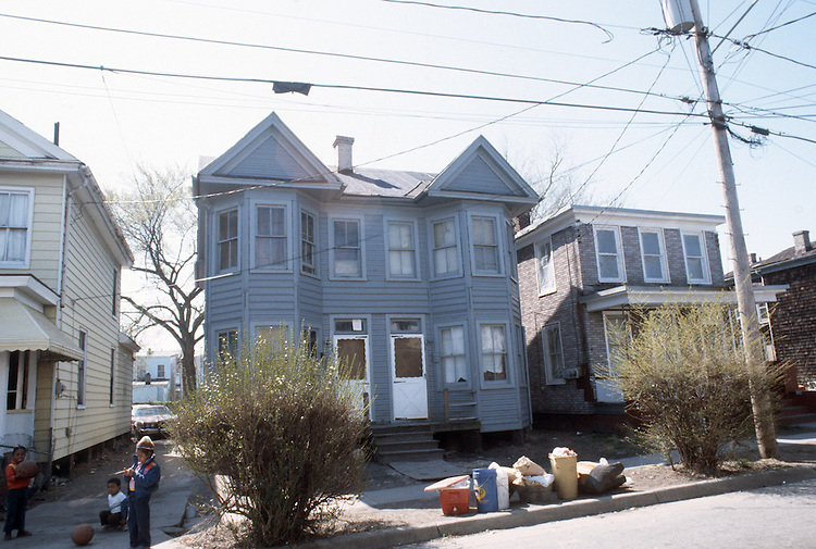 1986 March ..Redevelopment.Huntersville 1&2 (R-70)..759-761 A AVENUE...NEG#.NRHA#..