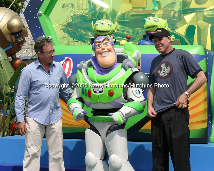 Tim Allen.Buzz Lightyear.Michael Eisner.Disneyland 50th Anniversary Party.Anaheim,  CA.May 4, 2005.©2005 Kathy Hutchins / Hutchins Photo