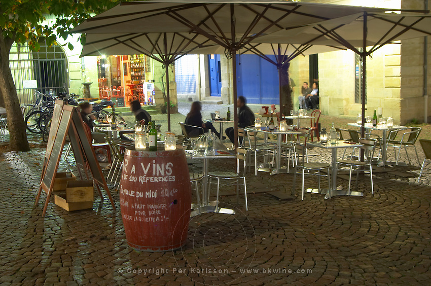 restaurant terrace place st pierre bordeaux france