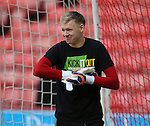 Aaron Ramsdale of Sheffield Utd warms up in KIO t-shirt during the English League One match at the Bramall Lane Stadium, Sheffield. Picture date: November 19th, 2016. Pic Simon Bellis/Sportimage