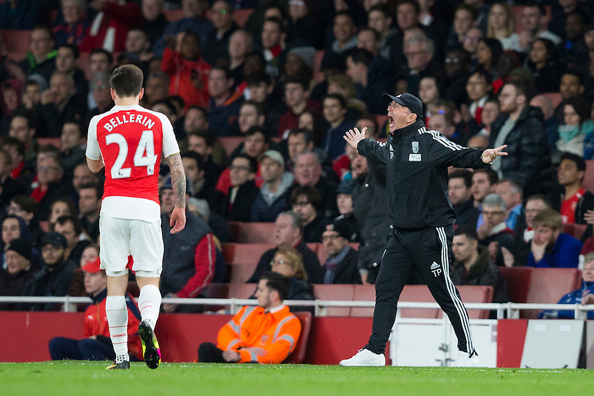 West Bromwich Albion manager Tony Pulis reacts on the sidelines<br /> <br /> Photographer Craig Mercer/CameraSport<br /> <br /> Football - Barclays Premiership - Arsenal v West Bromwich Albion - Thursday 21st April 2016 - Emirates Stadium - London<br /> <br /> &copy; CameraSport - 43 Linden Ave. Countesthorpe. Leicester. England. LE8 5PG - Tel: +44 (0) 116 277 4147 - admin@camerasport.com - www.camerasport.com