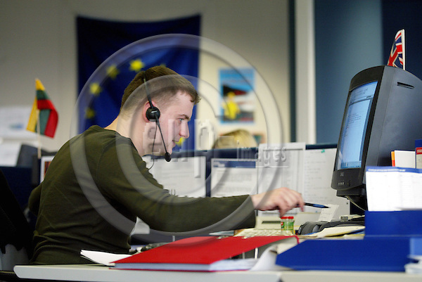 BRUSSELS - BELGIUM - 09 FEBRUARY 2005 -- EUROPE DIRECT is the EU citizens direct line to the European Union operated from this call center in Brussels by the private company TechTeam.  Here the citizen can ask all questions related to EU via phone or e-mail. Here the british Frank FARADAY on the phone.-- PHOTO: ERIK LUNTANG / EUP-IMAGES