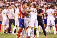 EAST RUTHERFORD, EUA, 26.07.2019 - Real Madrid-ATLETICO MADRID - Lucas Vázquez do Real Madrid e Stefan Savić  do Atlético de Madrid discutem durante partida pela International Champions Cup no MetLife Stadium em East Rutherford nos Estados Unidos na noite desta sexta-feira, 26. (Foto: William Volcov/Brazil Photo Press/Folhapress)