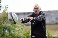 Bath Director of Rugby Todd Blackadder passes the ball. Bath Rugby pre-season training session on July 28, 2017 at Farleigh House in Bath, England. Photo by: Patrick Khachfe / Onside Images