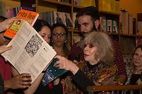 SÃO PAULO, SP, 16.11.2016 -  RITA-LEE - A cantora Rita Lee durante o lançamento de sua autobiografia, na Livraria Cultura do Conjunto Nacional, na Avenida Paulista, em São Paulo, nesta quarta-feira, 16. (Foto: Ciça Neder / Brazil Photo Press)