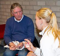 Februari 04, 2015, Apeldoorn, Omnisport, Fed Cup, Netherlands-Slovakia, Predraw persconferentie, Arantxa Rus being interview bij Jon Visbeen<br /> Photo: Tennisimages/Henk Koster