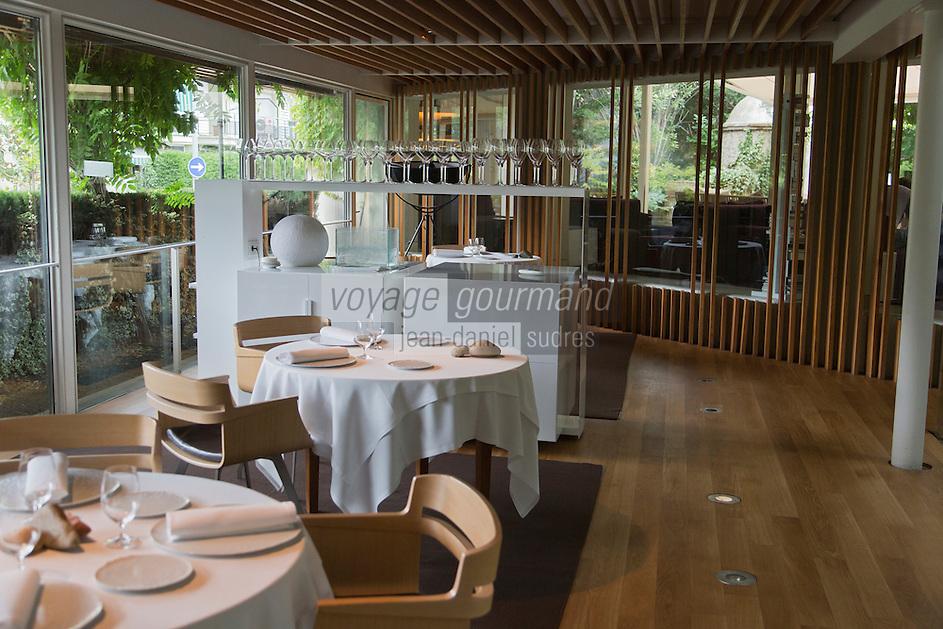 Europe/Espagne/Catalogne/Catalogne/Gérone:  Restaurant: El Celler de Can Roca à la deuxième place de la liste The World's 50 Best Restaurants _ Détail de la Salle de restaurant
