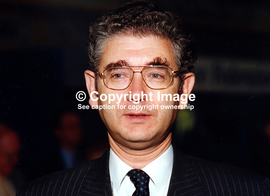 Jacques Arnold, MP, Conservative Party, UK, Westminster Parliament, 19951021/JA..Copyright Image from Victor Patterson, 54 Dorchester Park, Belfast, UK, BT9 6RJ..Tel: +44 28 9066 1296.Mob: +44 7802 353836.Voicemail +44 20 8816 7153.Skype: victorpattersonbelfast.Email: victorpatterson@mac.com.Email: victorpatterson@ireland.com (back-up)..IMPORTANT: If you wish to use this image or any other of my images please go to www.victorpatterson.com and click on the Terms & Conditions. Then contact me by email or phone with the reference number(s) of the image(s) concerned.
