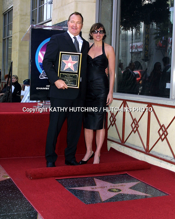 ©2003 KATHY HUTCHINS / HUTCHINS PHOTO.RANDY QUAID STAR ON THE HOLLYWOOD WALK OF FAME.HOLLYWOOD, CA.OCTOBER 7, 2003..RANDY QUAID.WIFE EVIE QUAID