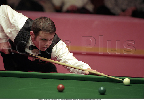 STEPHEN LEE lines up a shot, 1998 Embassy World Snooker Championships, The Crucible, Sheffield, 980429. Photo: Neil Tingle/Action Plus...1998.ball
