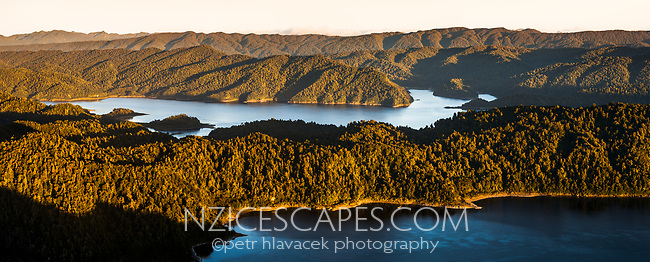 Sunrise over Lake Waikaremoana, Te Urewera, Hawke's Bay, North Island, New Zealand, NZ
