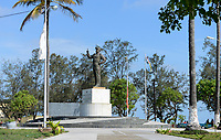 MOZAMBIQUE, Beira, Praça da Independencia, memorial for Samora Moisés Machel 1933-1986 , since 1970 leader of FRELIMO the movement for independance and first president of Mozambique 1975-1986 / MOSAMBIK, Beira, Denkmal fuer Samora Moisés Machel war ab 1970 Praesident der mosambikanischen nationalen Befreiungsbewegung FRELIMO und von 1975 bis 1986 der erste Praesident der Volksrepublik Mosambik