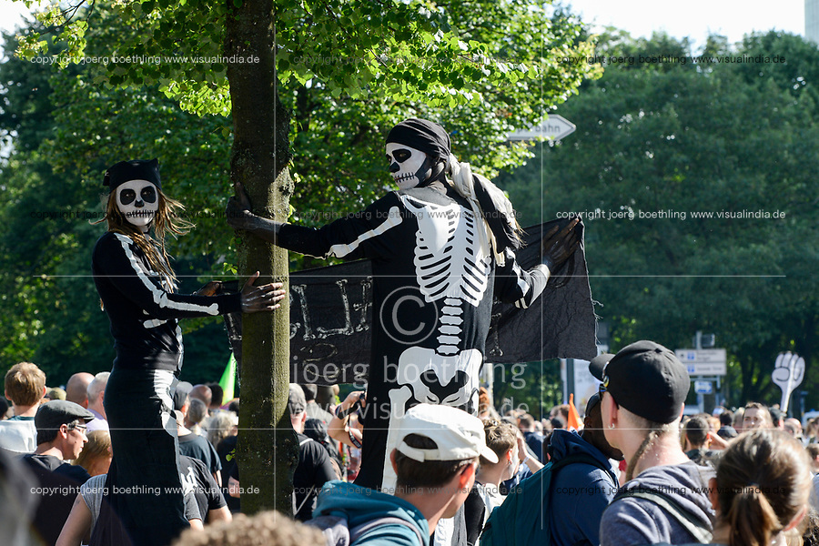 GERMANY, Hamburg, protest rally on St. Pauli against G-20 summit in july 2017 / DEUTSCHLAND, Hamburg, St. Pauli, Protest Demo gegen G20 Gipfel in Hamburg