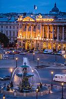 Europe/France/Ile-de-France/75001/Paris:  Fontaine  Place de La Concorde et Hôtel Crillon