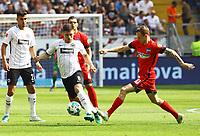 Luka Jovic (Eintracht Frankfurt) gegen Ondrej Duda (Hertha BSC Berlin) - 21.04.2018: Eintracht Frankfurt vs. Hertha BSC Berlin, Commerzbank Arena