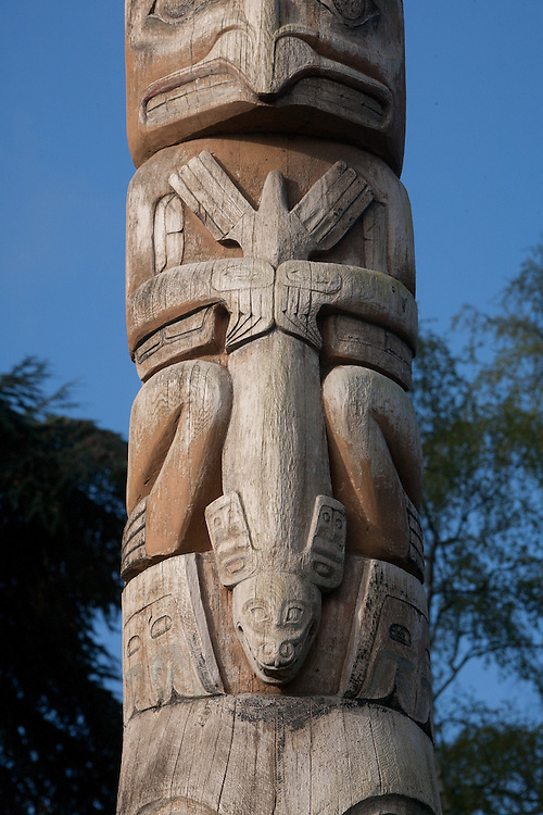 Seattle, Montlake, Lake Washington Ship Canal Waterside Trail, public art, totem pole, Chief John Wallace, Committee of 33, Haida art, Washington State, Pacific Northwest, USA,
