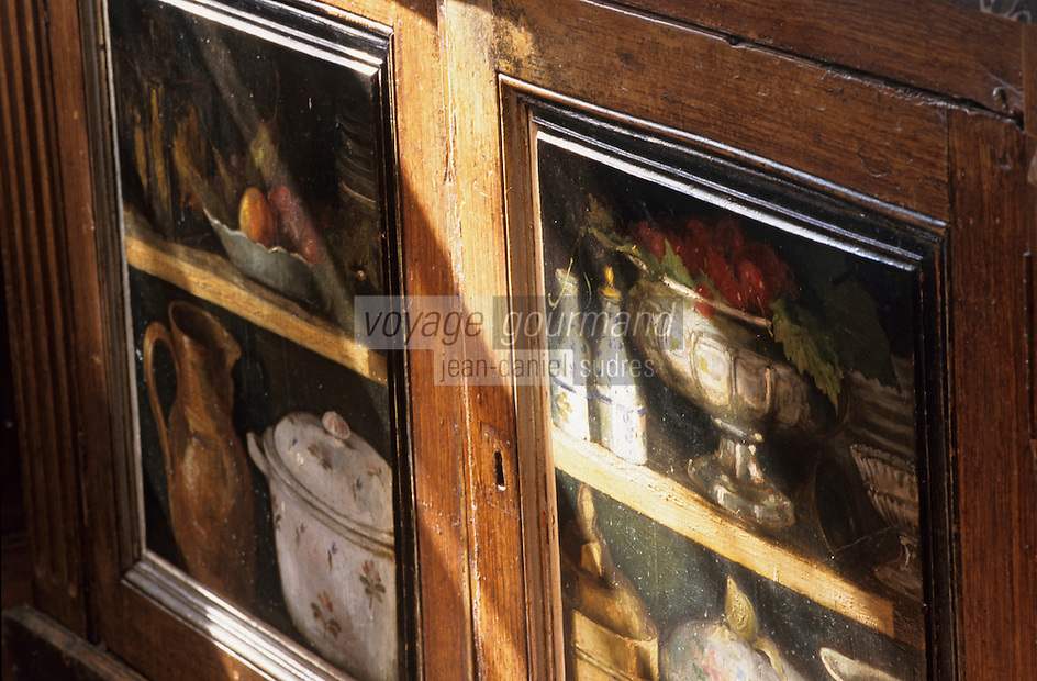 Europe/France/Ile-de-France/77/Seine-et-Marne/Barbizon: Ancienne Auberge du Père Ganne-détail d'un buffet peint-Musée de l'Ecole de Barbizon
