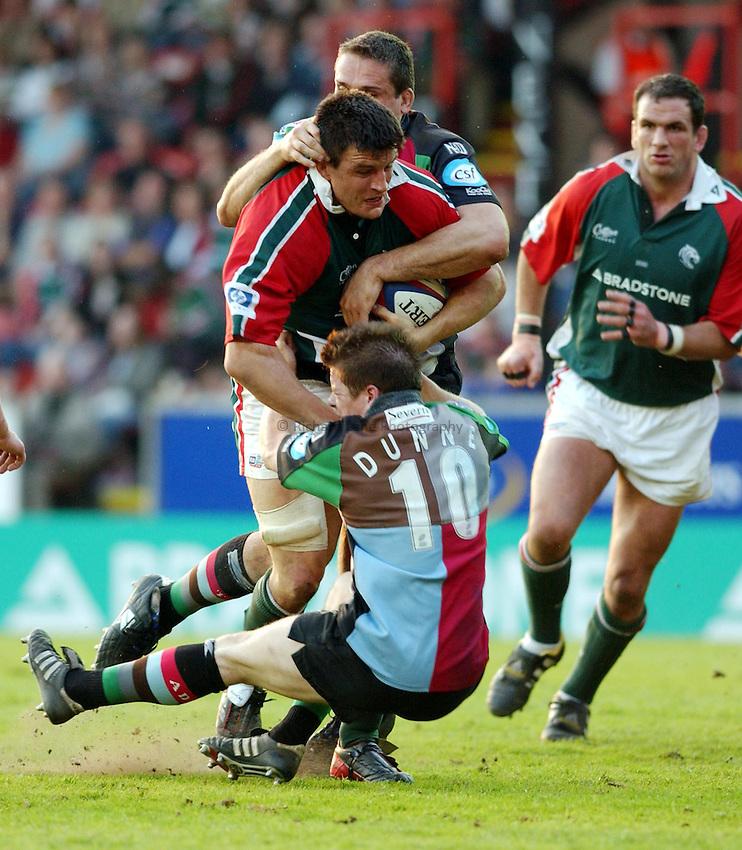 Photo. Dan Hanbury..Leicester Tigers v NEC Harlequins. Zurich Premiership. 15/05/2004..Martin Corry attacks.
