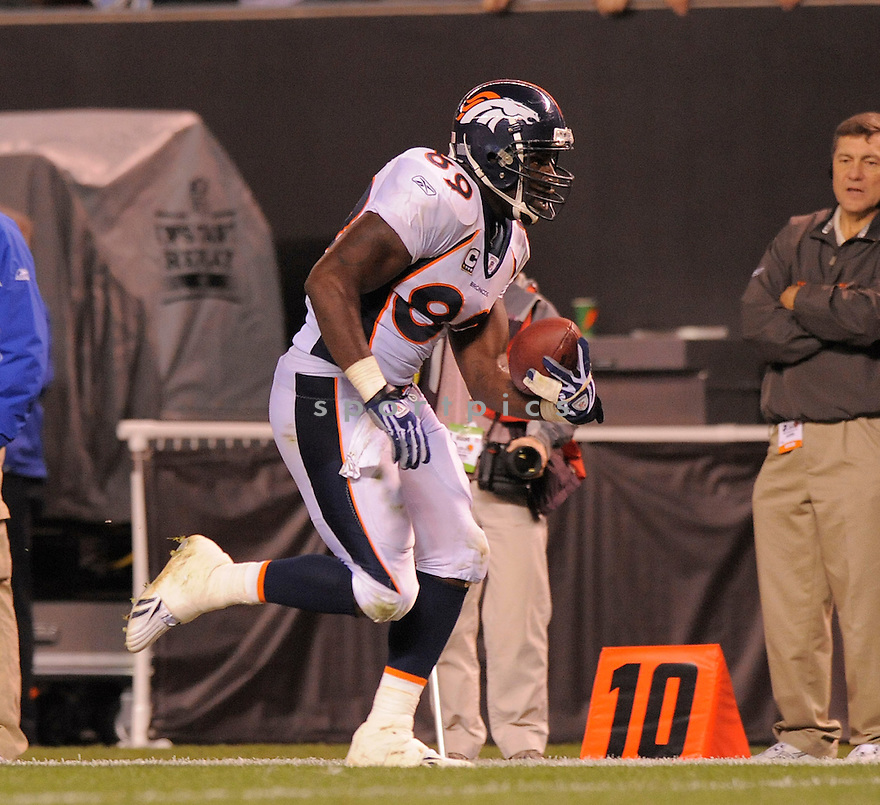DANIEL GRAHAM, of the Denver Broncos , in action against the Cleveland Browns  during the Broncos game in Cleveland, OH on November 6, 2008. ..Broncos  win 34-30