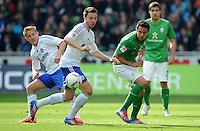 FUSSBALL   1. BUNDESLIGA   SAISON 2011/2012   34. SPIELTAG SV Werder Bremen - FC Schalke 04                       05.05.2012 Lewis Holtby, Marco Hoeger (Mitte, beide FC Schalke 04) gegen Claudio Pizarro (re, SV Werder Bremen)