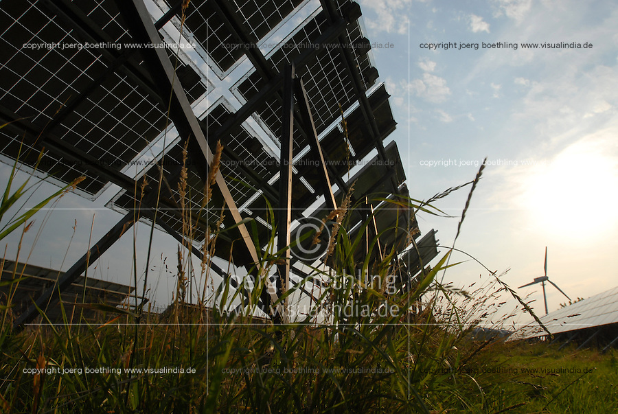 "Europa Deutschland DEU , .kombiniertes Wind und Solarkraftwerk der Eon Hanse zur Stromerzeugung und Einspeisung auf Nordseeinsel Pellworm   -  Hybridkraftwerk Solar Solarfeld Solarenergie Photovoltaik PV Bioenergie Strom  renewables  xagndaz | .Europe Germany GER solar power plant  at Pellworm island   -  renewable energy bio power photovoltaic .| [ copyright (c) Joerg Boethling / agenda , Veroeffentlichung nur gegen Honorar und Belegexemplar an / publication only with royalties and copy to:  agenda PG   Rothestr. 66   Germany D-22765 Hamburg   ph. ++49 40 391 907 14   e-mail: boethling@agenda-fototext.de   www.agenda-fototext.de   Bank: Hamburger Sparkasse  BLZ 200 505 50  Kto. 1281 120 178   IBAN: DE96 2005 0550 1281 1201 78   BIC: ""HASPDEHH"" ,  WEITERE MOTIVE ZU DIESEM THEMA SIND VORHANDEN!! MORE PICTURES ON THIS SUBJECT AVAILABLE!! ] [#0,26,121#]"
