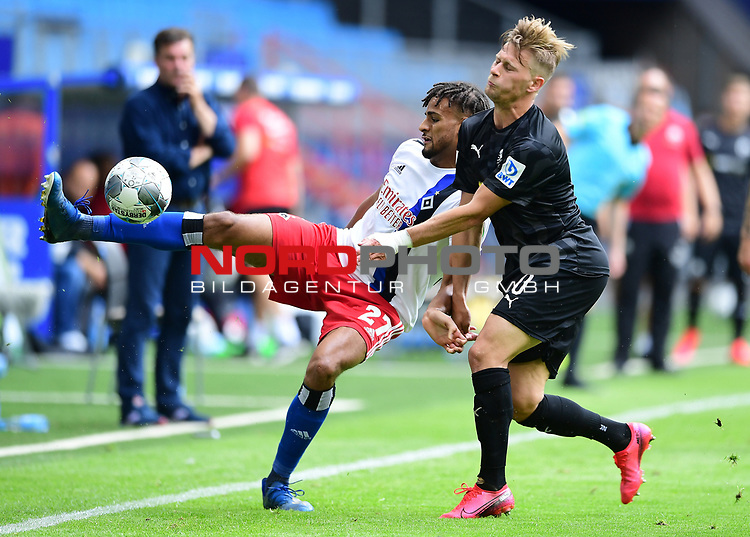 v.l. Josha Vagnoman (HSV), Julius Biada<br />Hamburg, 28.06.2020, Fussball 2. Bundesliga, Hamburger SV - SV Sandhausen<br />Foto: Tim Groothuis/Witters/Pool//via nordphoto<br /> DFL REGULATIONS PROHIBIT ANY USE OF PHOTOGRAPHS AS IMAGE SEQUENCES AND OR QUASI VIDEO<br />EDITORIAL USE ONLY<br />NATIONAL AND INTERNATIONAL NEWS AGENCIES OUT