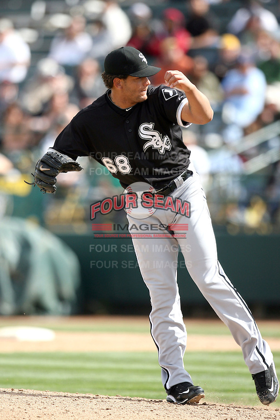 Erick Threets. Chicago White Sox spring training game vs. Oakland Athletics at Phoenix Municipal Stadium, Phoenix, AZ - 03/10/2010.Photo by:  Bill Mitchell/Four Seam Images.