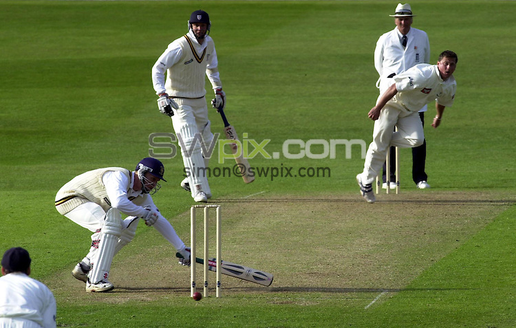 Pix: Matthew Lewis/SWpix. Benson and Hedges Cup 2001, Yorkshire v Durham, Headingley. 07/05/2001..COPYWRIGHT PICTURE>>SIMON WILKINSON>>01943 436649>>..Yorkshires Darren Gough bowls against Durhams Jon Lewis