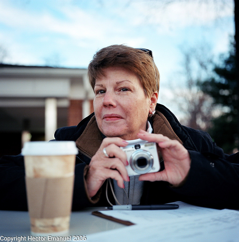Diane Bonieskie (Minuteman).NoVa minutemen confront day laborers in a work pick site .Herndon, Va.12/1/05.photos: Hector Emanuel