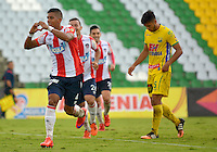 ARMENIA, COLOMBIA, 07-11-2015 David Murillo jugador del Atletico Junior celebra después de anotar un gol a Atlético Huila durante partido válido por la fecha 19 de la Liga Aguila II 2015 jugado en el estadio Centeneraio de la ciudad de Armenia./ David Murillo player of Atletico Junior celebrates after scoring a goal to Atletico Huila during match valid for the date 19 of the Aguila League II 2015 played at Centenario stadium in Armenia city. VizzorImage/INTI