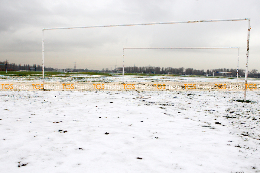 Football pitches on the South Marsh of Hackney Marshes are seen under a covering of snow as winter comes early to East London, bringing about the postponement of Sunday fixtures - 04/12/10 - MANDATORY CREDIT: Gavin Ellis/TGSPHOTO - Self billing applies where appropriate - Tel: 0845 094 6026