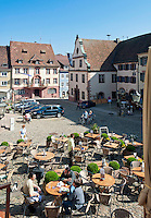 Germany, Baden-Wurttemberg, Endingen at Kaiserstuhl: Cafe at village centre | Deutschland, Baden-Wuerttemberg, Endingen am Kaiserstuhl: Cafe im Ortszentrum