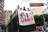 SAO PAULO, SP, 23.03.2017 - PROTESTO-SP Estudantes da UMES (União Municipal dos Estudantes Secundaristas de São Paulo) realizam ato contra o governo do presidente Michel Temer caminhando do Masp (Museu de arte de Sao Paulo) na avenida Paulista ate Largo São Francisco em frente a faculdade de direito da USP nesta quinta-feira, 23.(Foto: Nelson Gariba/Brazil Photo Press)