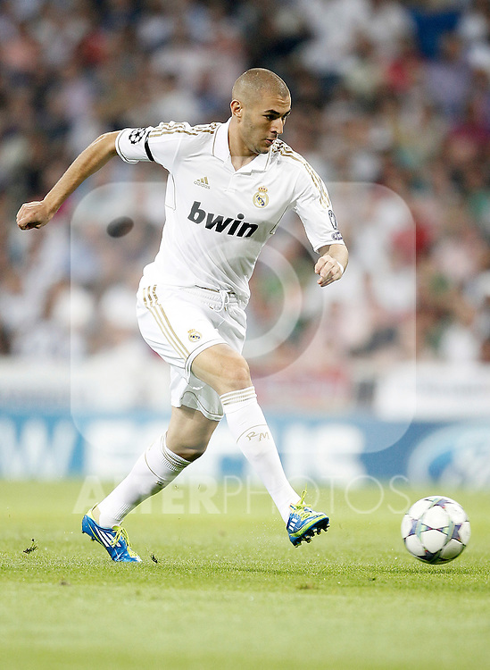 Real Madrid's Karim Benzema during UEFA Champions League match. September 27, 2011. (ALTERPHOTOS/Alvaro Hernandez)