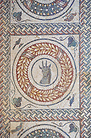Detail of a Roman mosaic of the Peristyle no 13  at the Villa Romana del Casale which containis the richest, largest and most complex collection of Roman mosaics in the world. Constructed in the first quarter of the 4th century AD. Sicily, Italy. A UNESCO World Heritage Site.